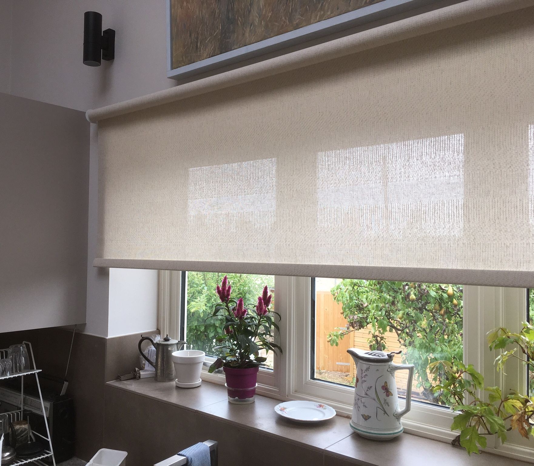 Sheer Roller Blind for Privacy and Light